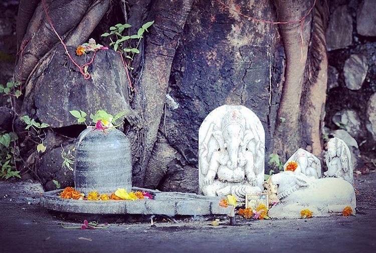 Shivalingam y Ganesha